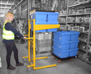 Safe manual handling of plastic totes and containers